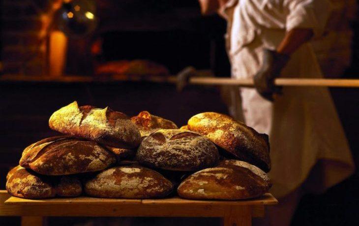 полезно ли кушать горячий хлеб