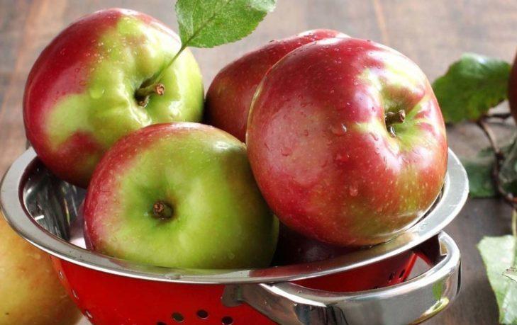 полезно ли есть яблоко натощак