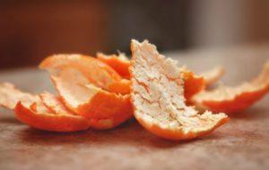 Полезно ли есть кожуру мандарина