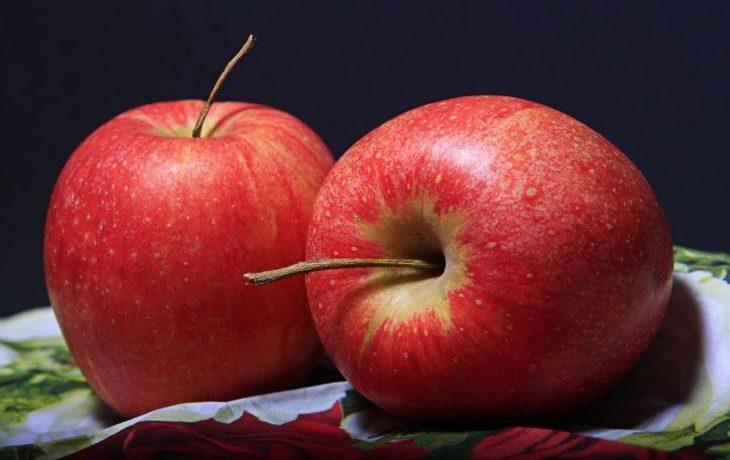 полезно ли есть яблоки на ночь