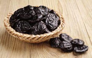Полезно ли есть чернослив