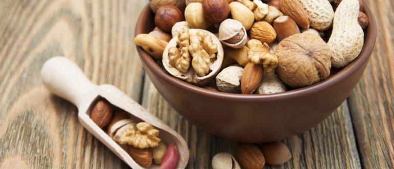полезно или вредно есть орехи на ночь