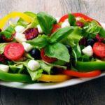 Полезно ли есть овощные салаты