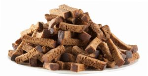Почему полезно есть сухари