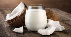 10 полезных свойств кокосового молока
