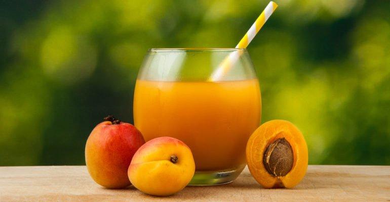 чем полезен абрикосовый сок