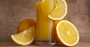 10 полезных свойств апельсинового сока