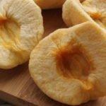 10 полезных свойств вяленых яблок