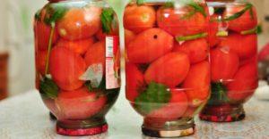 Если хочется соленых помидор: причины, чего не хватает в организме
