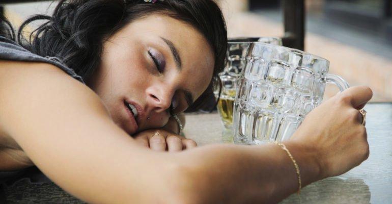 почему хочется спать после пива