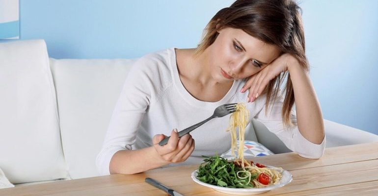 не хочется есть при стрессе почему