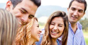 Как улучшить отношения с окружающими: меняем свое поведение