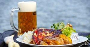 Почему после пива сильно хочется есть