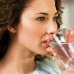 Постоянно хочется пить воду: причины у женщин